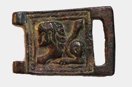 Buckle, rude figure of a lion