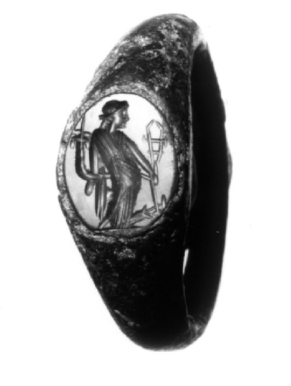 Intaglio gem, Isis and Tyche set in finger-ring