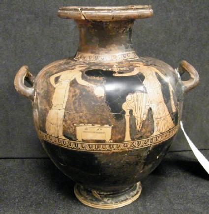 Attic red-figure pottery hydria depicting a domestic scene