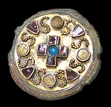 Jewelled disc brooch