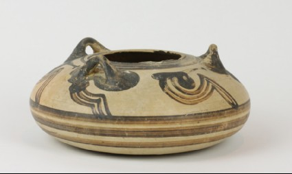 Mycenaean alabastron decorated with painted 'sacral ivy' pattern