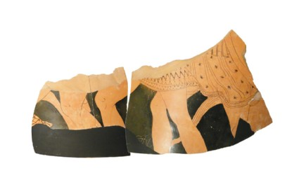 Attic red-figure pottery loutrophoros fragment depicting a battle scene
