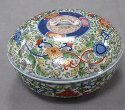 Kenjo-Imari lidded dish with chrysanthemums, peonies and scrolling leaves