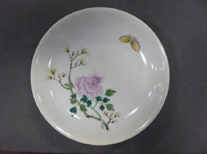 Saucer dish decorated in famille rose enamel with peony