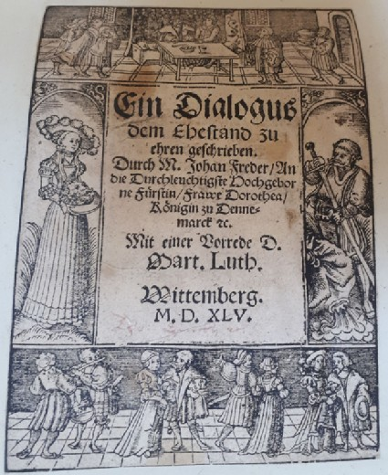 Titlepage with several scenes with couples