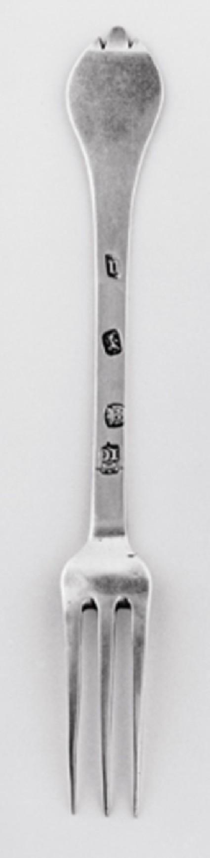 Three-pronged fork