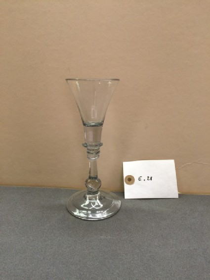 Trumpet and tripleknot wineglass