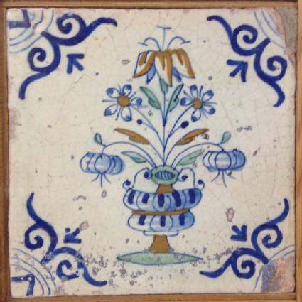 Tile with polychrome vase of flowers