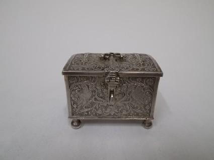 Marriage casket