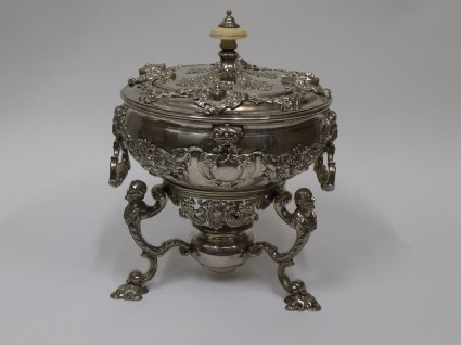 Stewpan or basin with cover