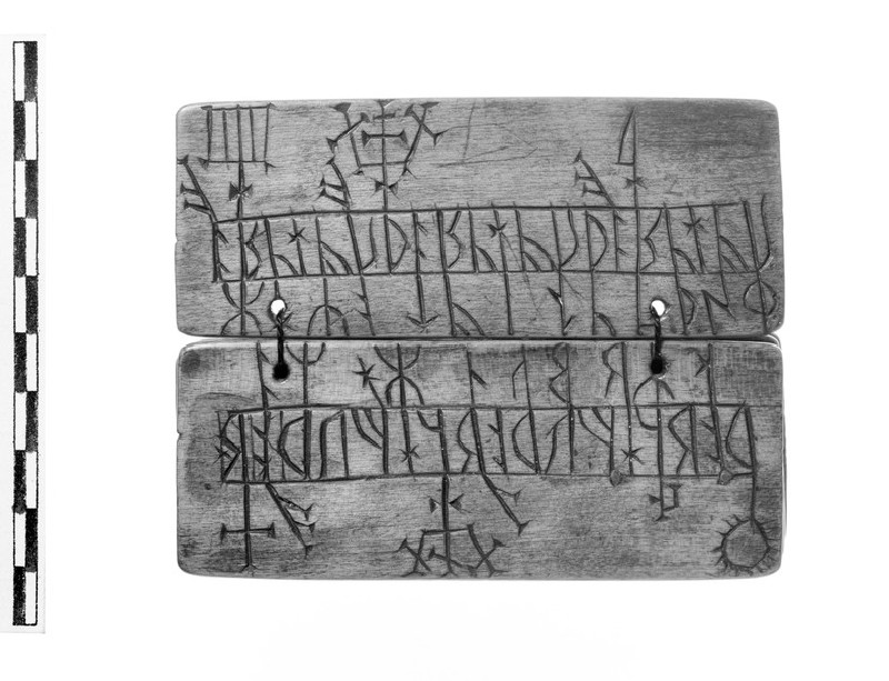 Runic Almanac (AN1685.A.452, AN1685 A.452)