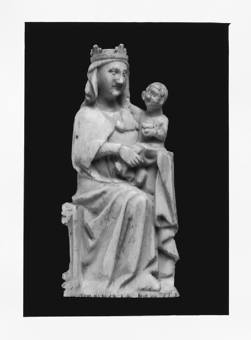 Ivory figurine of the Virgin Mary with the Infant Christ (AN1685.A.583, AN1685 A.583)