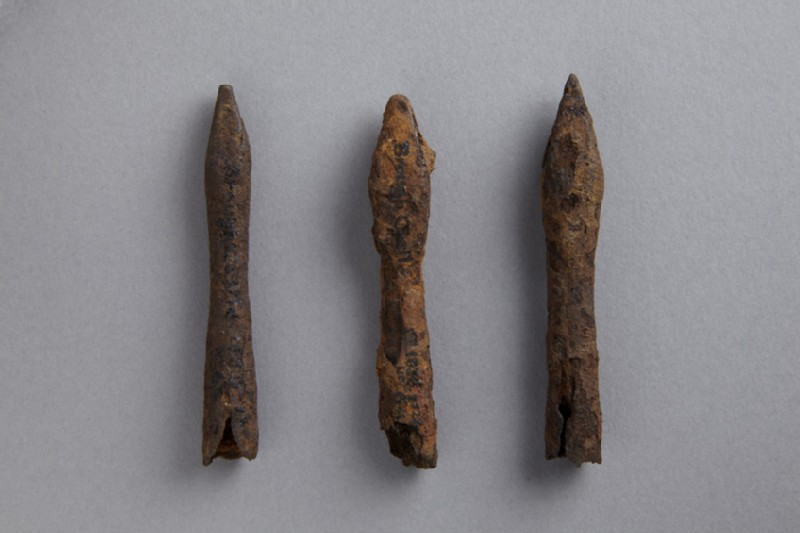 Catapult bolt heads (AN1836.p123.64)