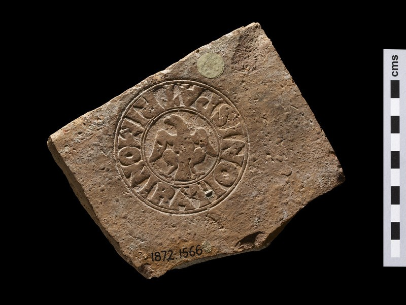 Brick stamp with Latin script, eagle in the centre (AN1872.1566)
