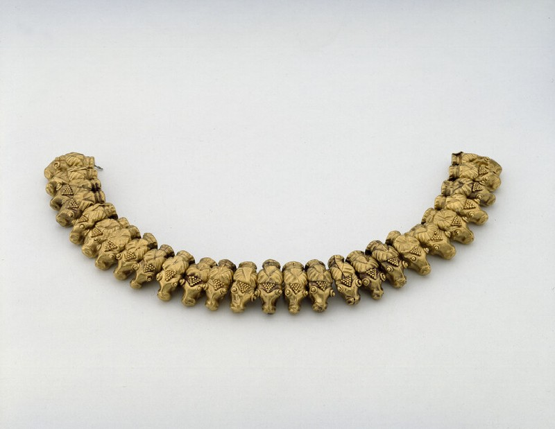 Necklace in the form of 26 rams' heads (AN1885.493)