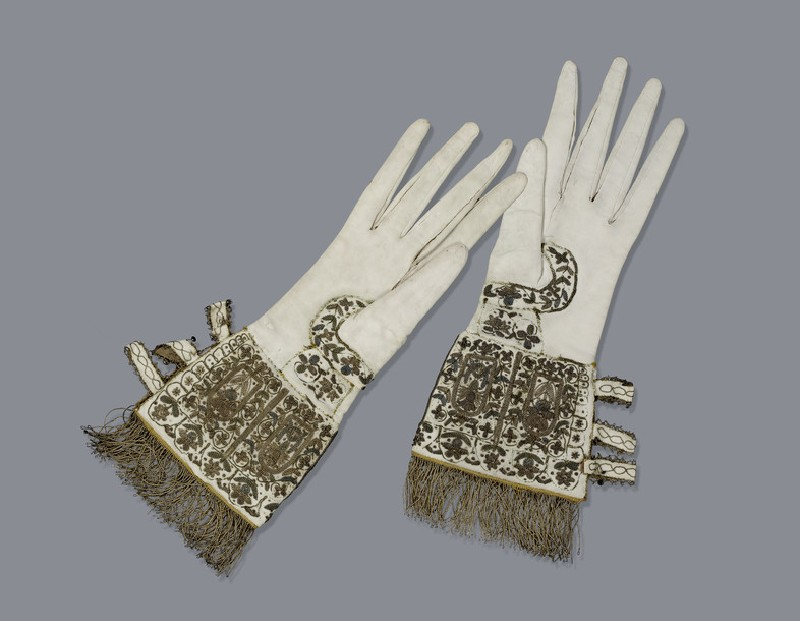 Gloves (Queen Elizabeth I Gloves) (AN1887.1)
