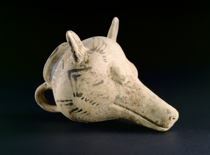 Mycenaean dog's head rhyton. Decorated with painted chevrons (AN1896-1908.AE.298)