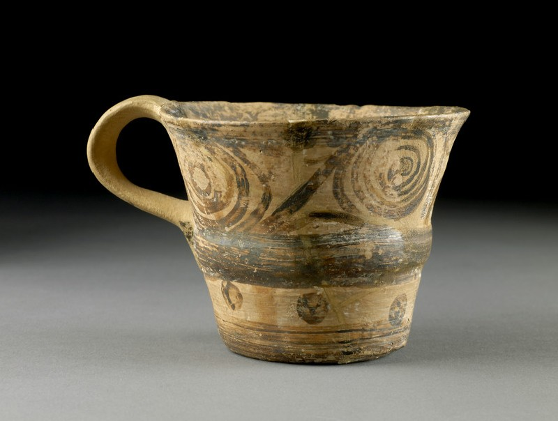 One-handled Vapheio type cup
