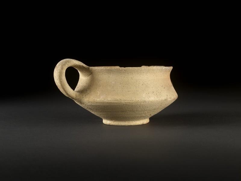 Plain White Wheel-Made Carinated cup