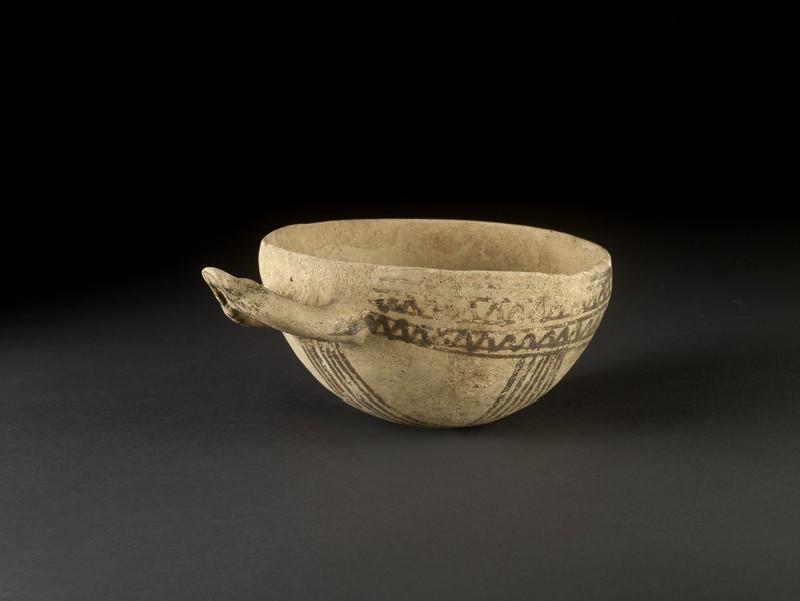 White Painted V bowl (wishbone handle)