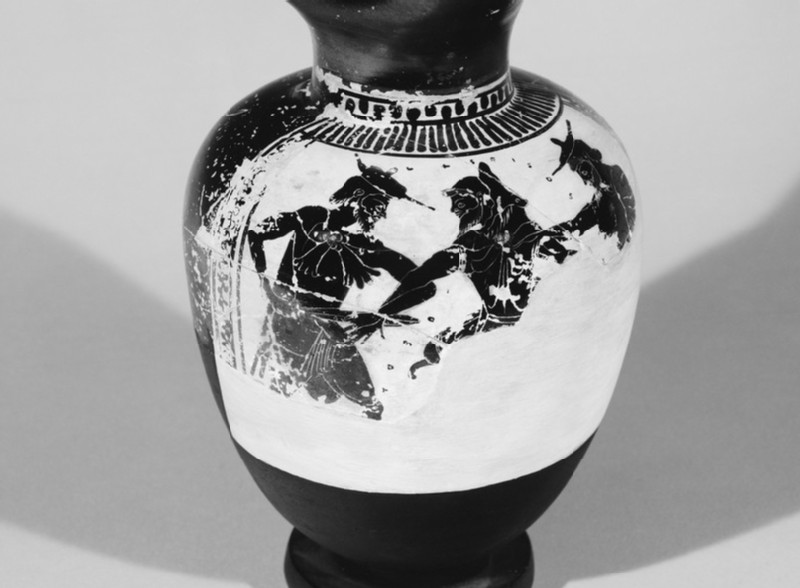 Attic black-figure white ground pottery oinochoe depicting the capture of Dolon (AN1896-1908.G.251)