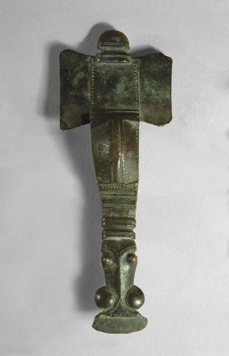 Cruciform brooch (AN1909.451)
