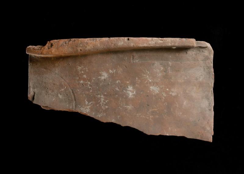 Tegula, or flanged tile