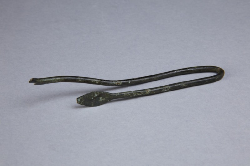 Miniature spear with shaft, bent (AN1921.136)