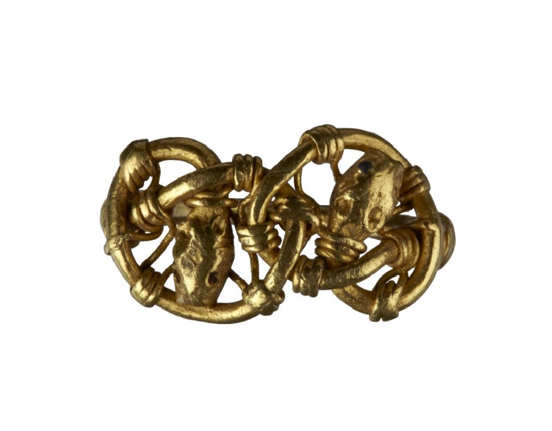 Finger-ring, openwork bezel filled with animal heads