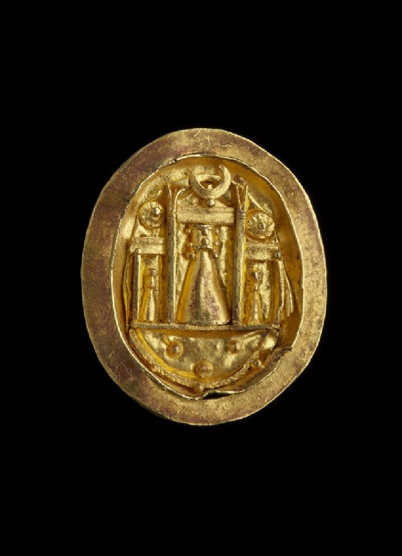 Gold finger ring setting showing the shrine of Aphrodite at Paphos (AN1931.548)