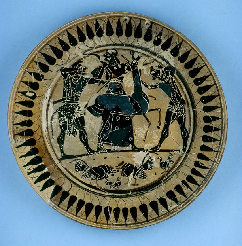Attic black-figure pottery plate depicting a hunting scene (AN1934.333)
