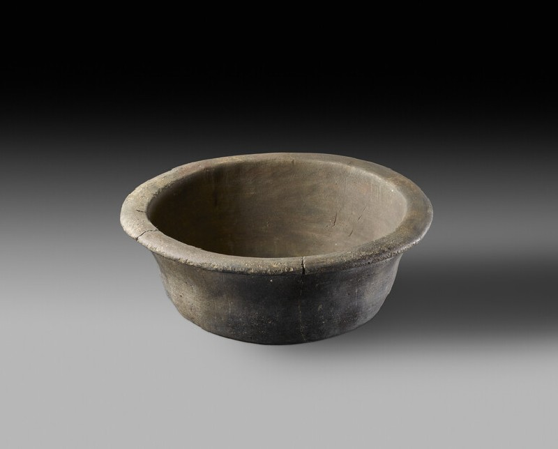 Black burnished ware, hand made, pie dish (AN1936.218)