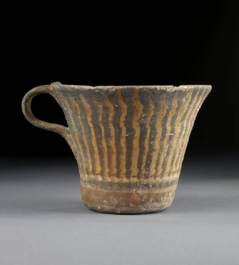 Vapheio-type one-handled cup with tortoise shell or ripple pattern