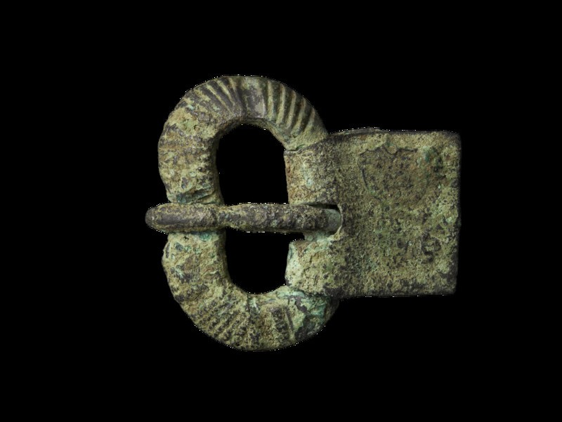 Bronze buckle, kidney-shaped rings grooved, rectangular plate of doubled sheet bronze