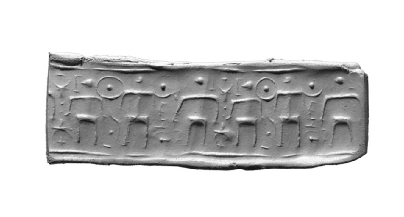 Cylinder seal, three human figures, each holding scimitar in right hand, third one holds second scimitar