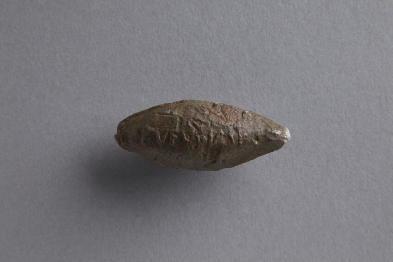 Sling bullet with thunderbolt motif inscribed RVFVS IMP (ANFortnum.V.256)