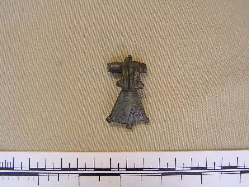 Brooch (AN1992.112, record shot)