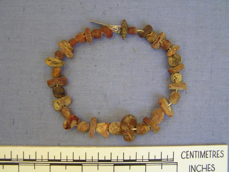 Strung beads (AN1909.271, record shot)