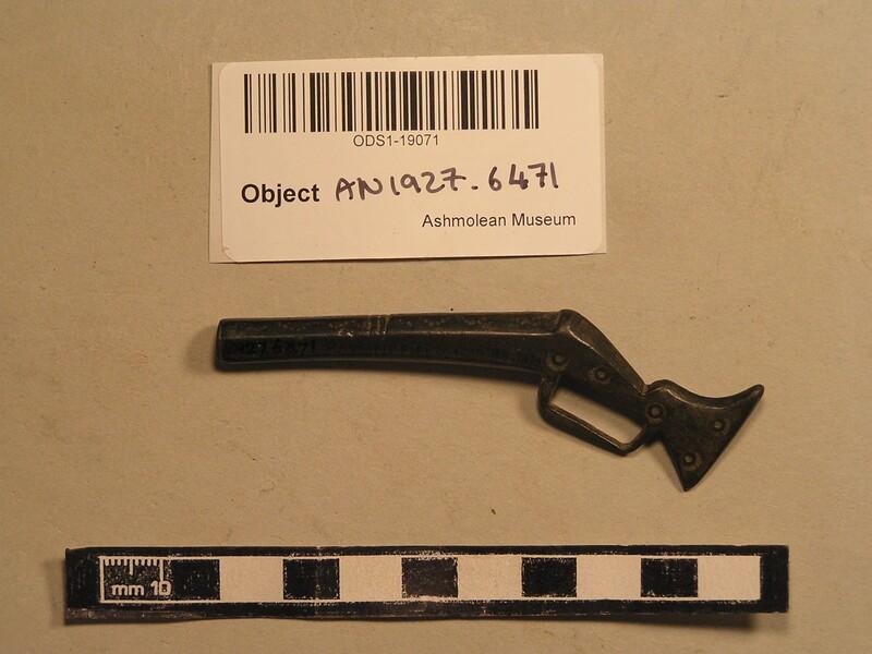 Toy gun (AN1927.6471, record shot)
