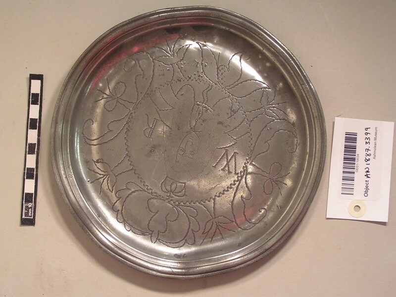 Pewter plate with picture of king and WR (AN1887.3399, record shot)
