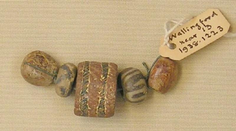 Strung beads (AN1938.1223, record shot)
