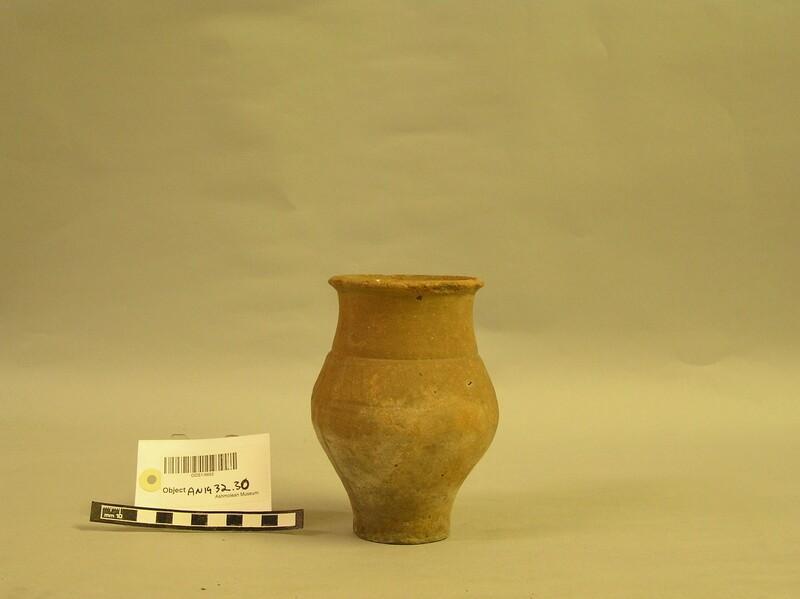 Pot (AN1932.30, record shot)