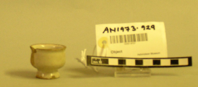 Oinment pot (AN1973.929, record shot)