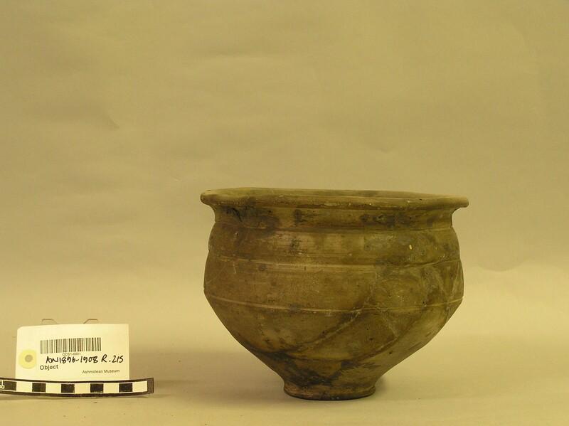 Urn (AN1896-1908.R.215, record shot)