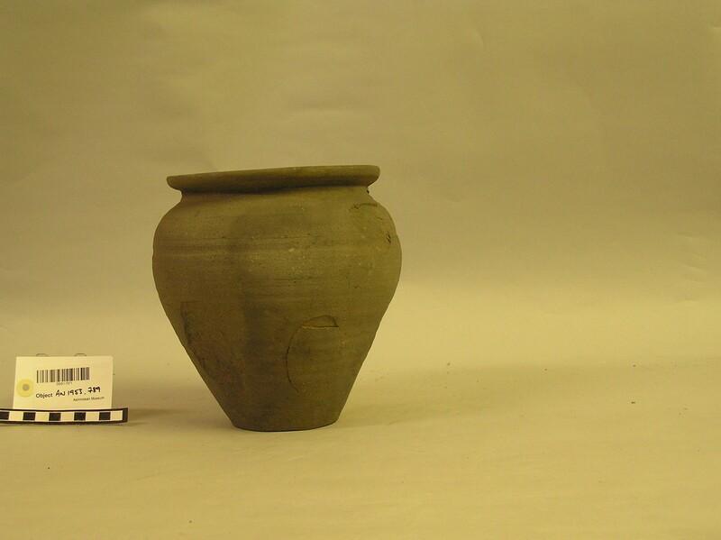 Pot (AN1953.789, record shot)