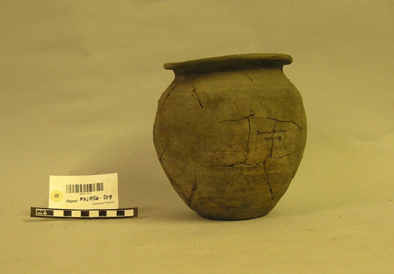 Pot (AN1936.208, record shot)
