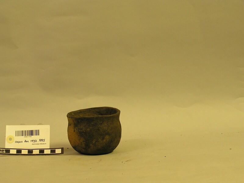 Pot (AN1932.885, record shot)