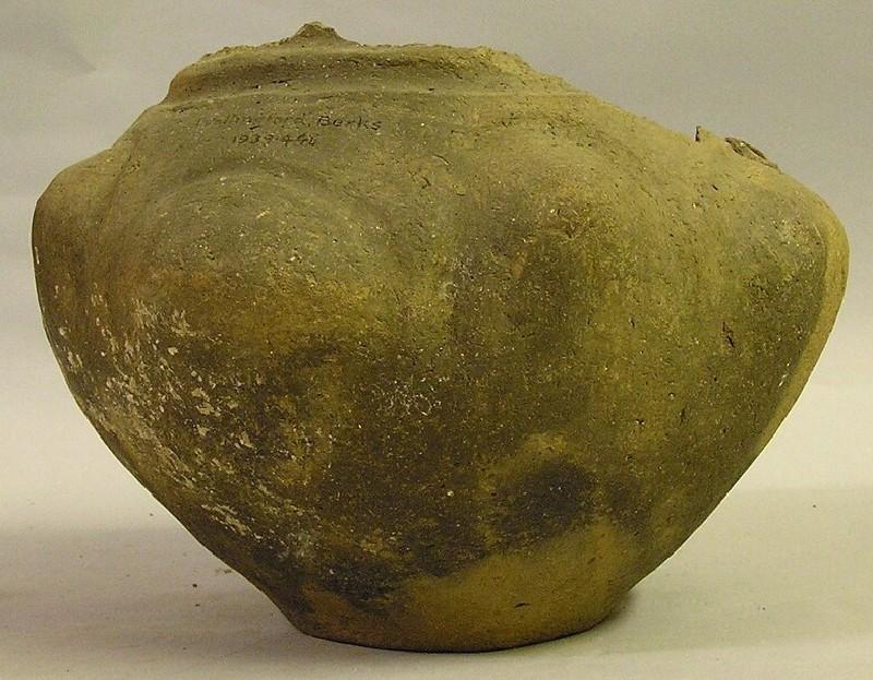 Urn (AN1939.446, record shot)
