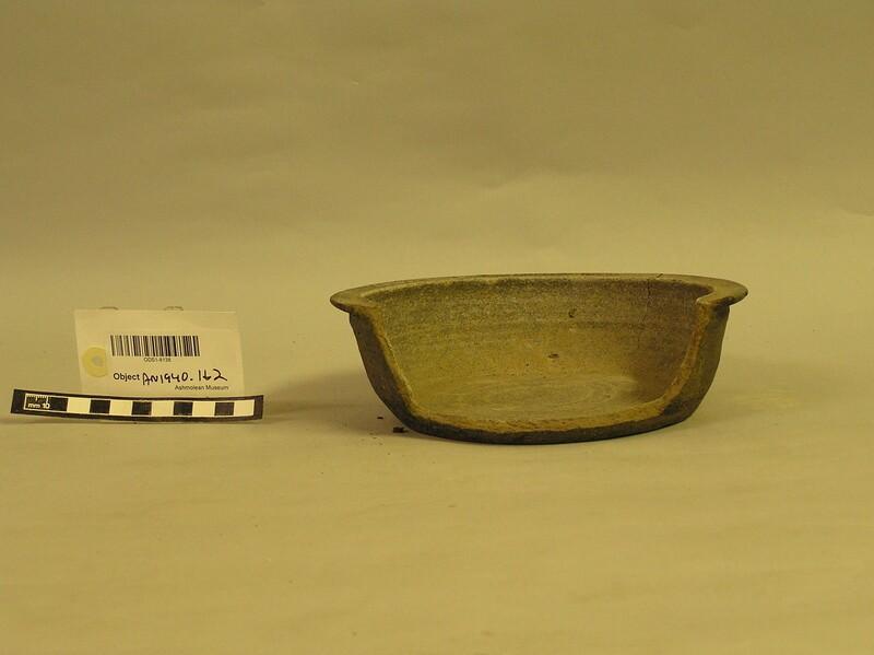Pot (AN1940.162, record shot)