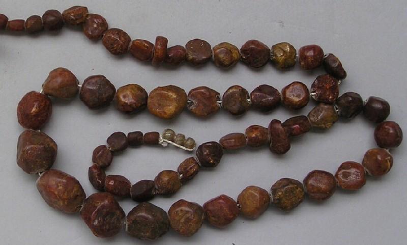 Strung beads (AN1909.471.d, record shot)
